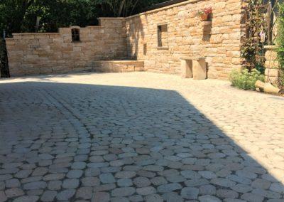 Arena antik sand/beige mit Santuro-Landhausmauer